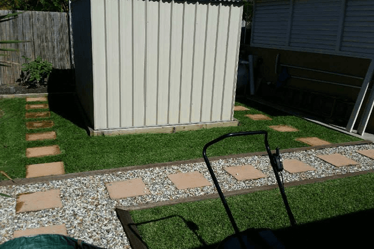 Lawn Mowing Bond University - Lawn Mowing - Express Lawn ...