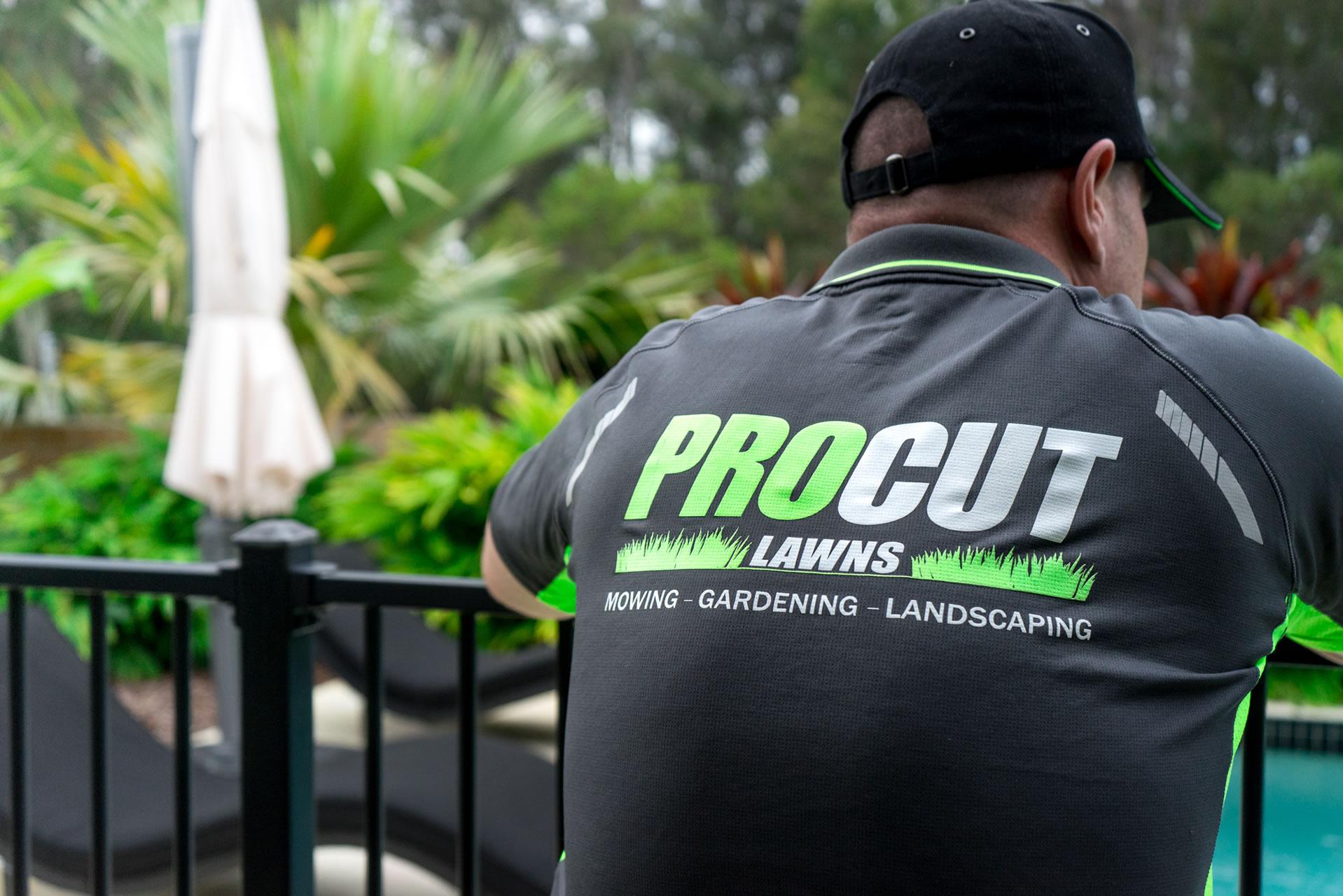 pro cut lawns operator